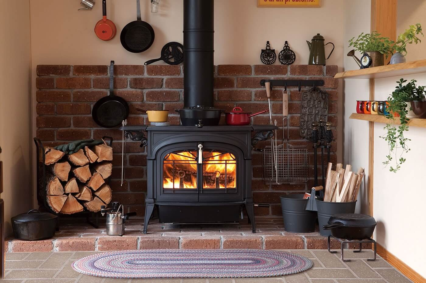 Vermont Castings Encore wood stove in black